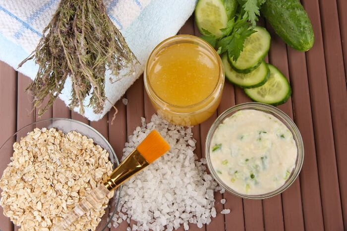 oatmeal, honey, cucumber and other natural ingredients
