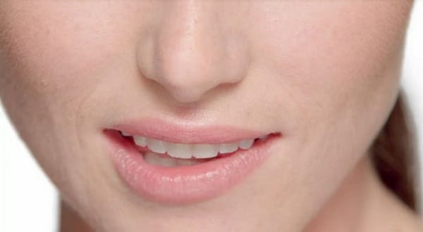 woman's mouth with perfect teeth