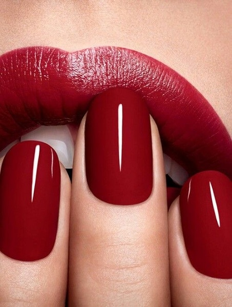 red nails over red lipstick
