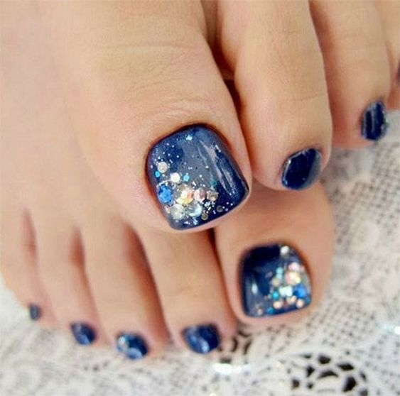 blue and sprakly toes