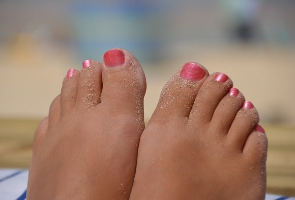 pretty feet with pink nails