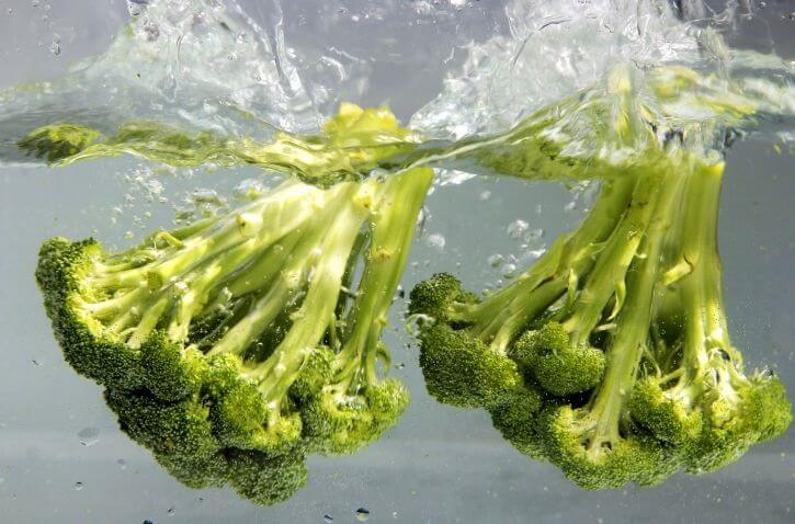 broccoli has vitamins and plenty of water