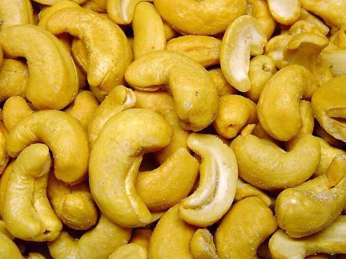 cashews contain healthy fats