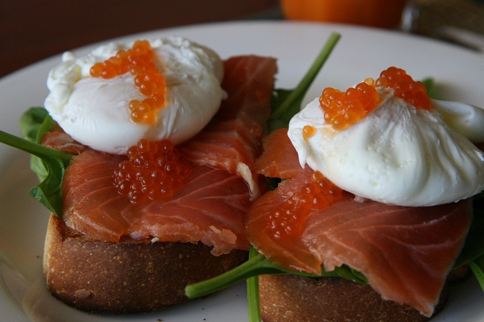 eggs and smoked salmon on bread