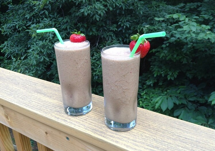 two glasses of protein shakes for weight loss