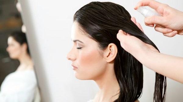 Applying hair conditioner