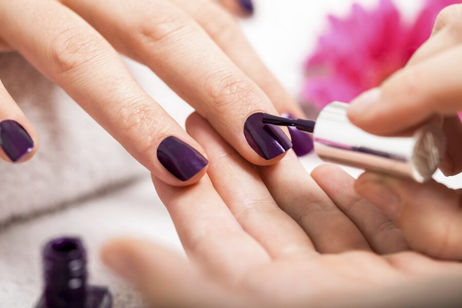 Do Nails Need a Break Between Manicures?