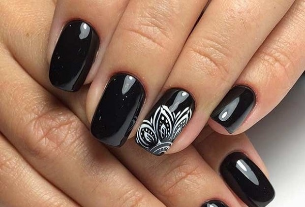 6 Black Nail Art Designs Suggested By Experts
