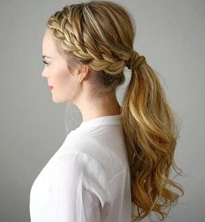 A side braid pony on blonde hair