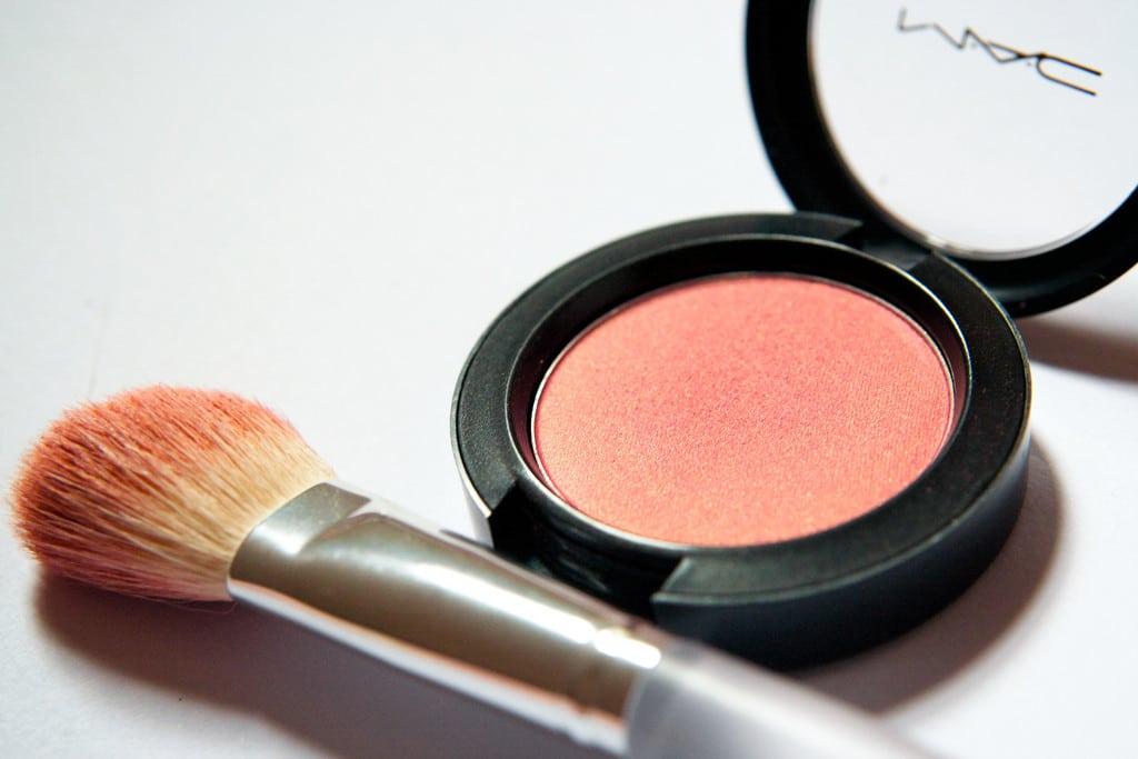 no makeup makeup highlighter powder