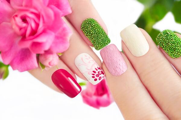 3 Beauty Vloggers Teach Us How To Do A Simple Flower Nail Design