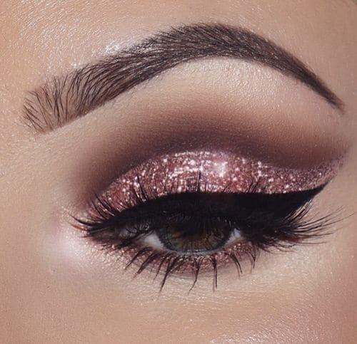 Chunky glitter look