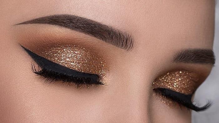 Glitter brown makeup look