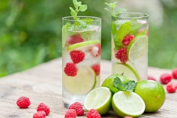 raspberry mint and lime detox water
