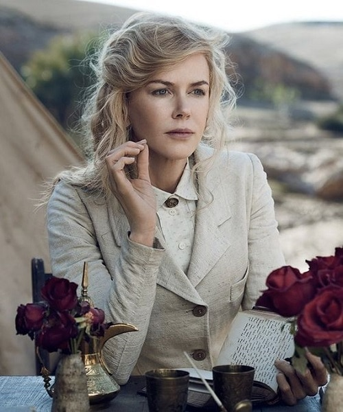 Nicole Kidman with a flattering hairstyle