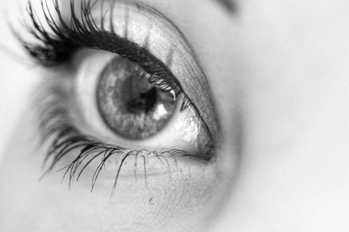 woman's eye with eyeliner