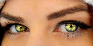 girl with seductive eyes