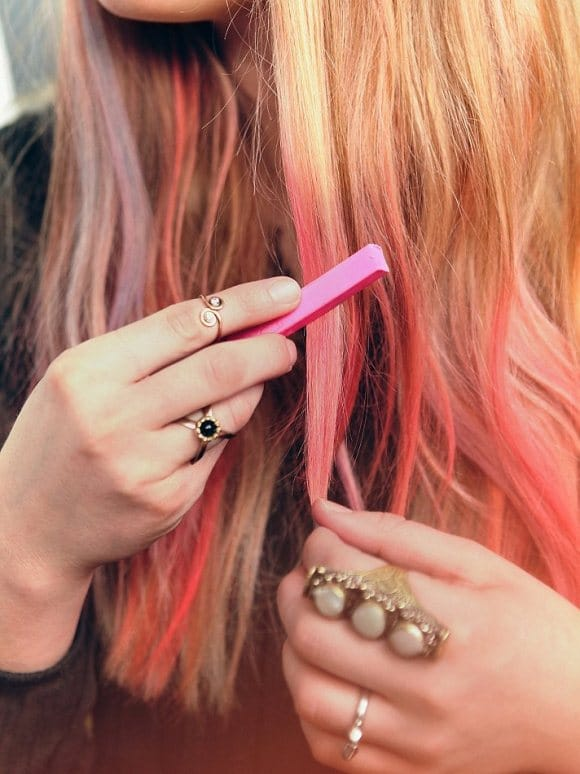 best temporary hair color, diy hair dye, metallic hair dye, non toxic hair dye, how to temporarily dye your hair, white hair chalk, liquid hair chalk, hair chalk for dark hair, best hair chalk, washable hair color