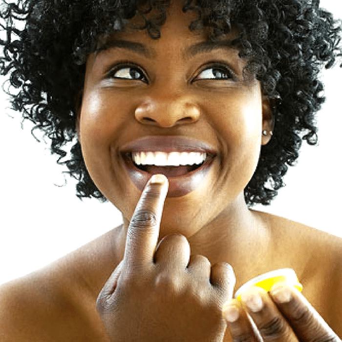 homemade lip scrub, lip scrub, sugar scrub, diy sugar scrub, how to exfoliate lips, soft lip, lip scrub diy, lip scrub recipe, best lip scrub, lip exfoliator diy, how to make lip scrub, diy lip scrub without honey,
