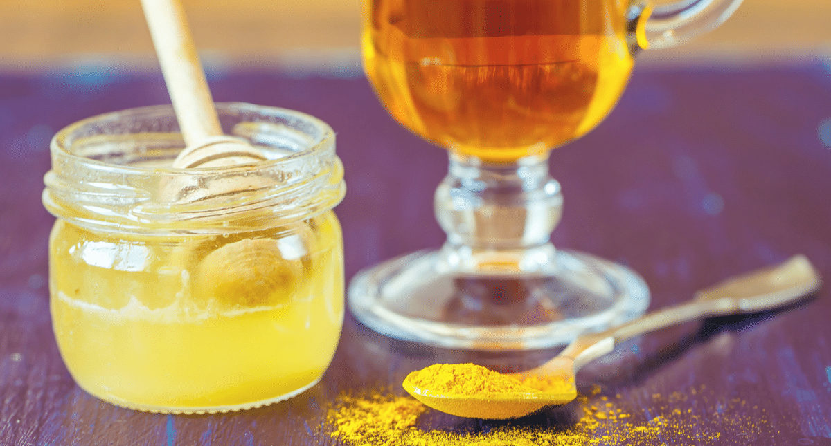 The Best Natural Tea to Treat a Sore Throat