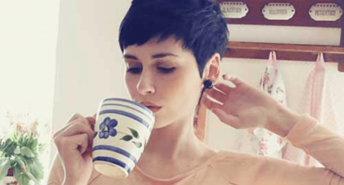 An Expert's Guide To A Pixie Cut With Bangs